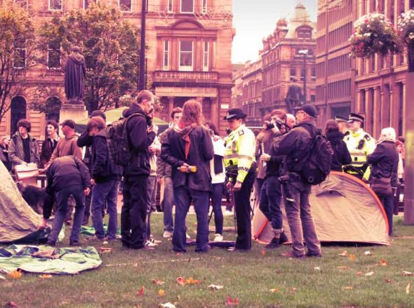 eltornillodeklaus occupy london camp police