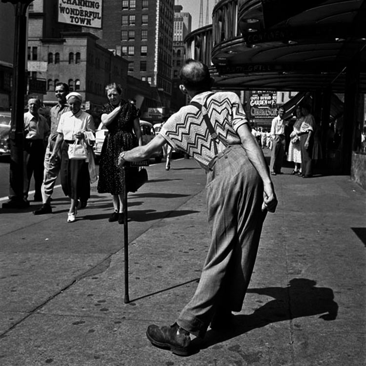 eltornillodeklaus-vivian-maier-man-on-the-street-of-wonderful-town