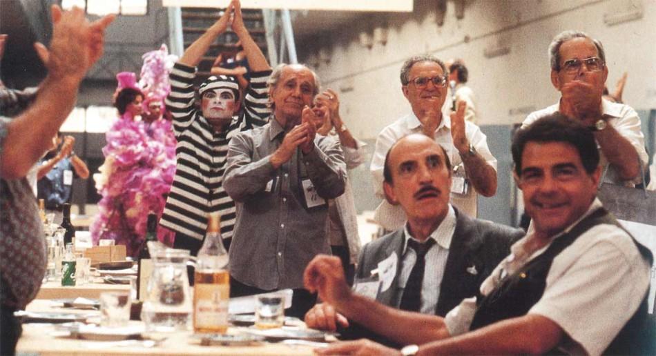 todos a la cárcel, películas de berlinga, todos a la carcel crítica, todos a la cárcel berlinga, todos a la cárcel 1993, todos a la cárcel online, todos a la cárcel película, viva franco arriba españa, arriba españa franco, arriba franco, arriba españa una grande y libre, arriba españa origen, la risa de españa, fiesta española, el tornillo de klaus, revista de cine, blog, españa segun berlanga, daniel l serrano, canichu el espia del bar, luis garcia berlanga, películas, alicia victoria palacios thomas, pablo cristóbal,
