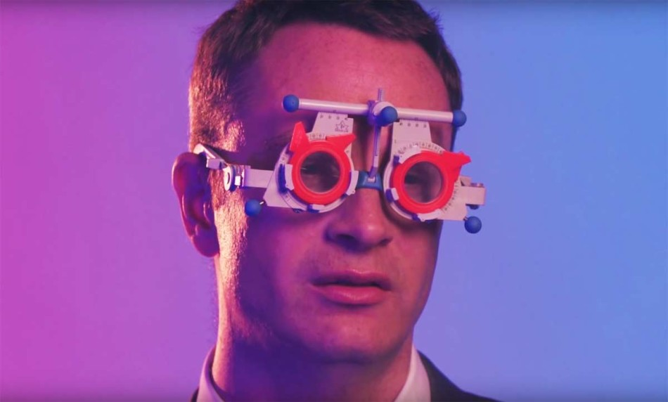 Nicolas Winding Refn glasses, Nicolas Winding Refn nowness, neon demon trailer, the neon demon reparto, the neon demon pelicula, the neon demon sinopsis, the neon demon estreno españa, the neon demon online, neon demon crítica, neon demon review, neon demon gigi, demonio neon, demonio neón pelicula, the neon demon trailer, nicolas winding refn the neon demon, nicolas winding refn películas, drive nicolas winding refn, NWR, Karl Glusman Nicolas Winding Refn Gaspar Noé, Benoît Debie Nicolas Winding Refn, aspar Noé, Natasha Braier Nicolas Winding Refn Gaspar Noé, Cliff Martínez Nicolas Winding Refn Gaspar Noé,