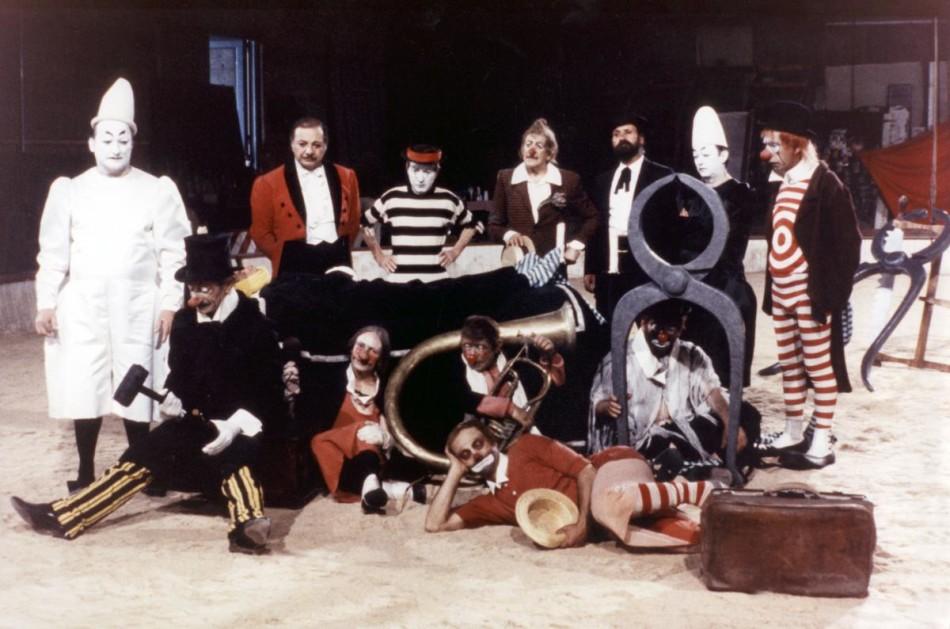 I Clowns, Fellini, Federico, cine, mister universo trailer, circo, película