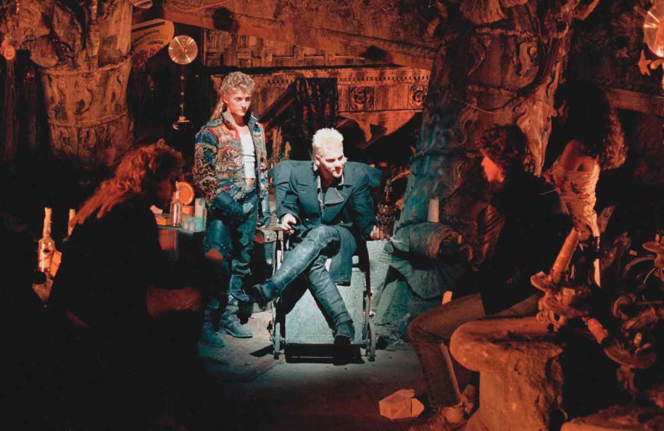 the lost boys, joel schumacher, vampires, kiefer sutherland, cult movie, batman de joel schumacher, el tornillo de klaus,